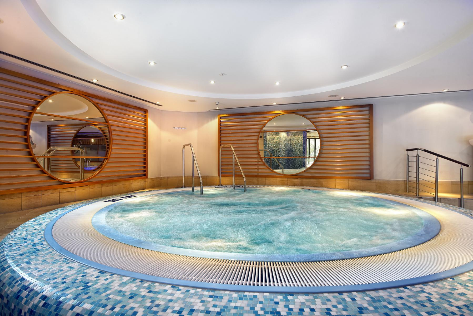 Spa with pool, sauna and beauty treatments in Berlin